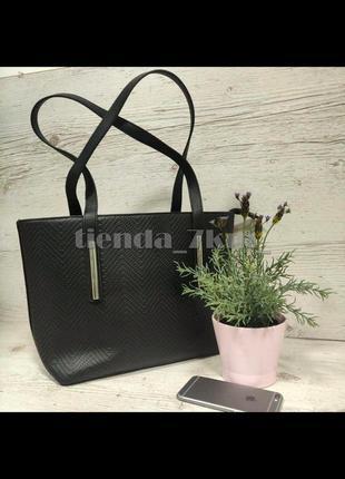Женская вместительная сумка на длинных ручках f-672 черная