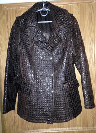 Шикарная фактурная кожаная куртка приталенная