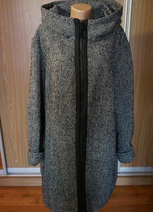 Шикарное ,теплое пальто на синтепоне