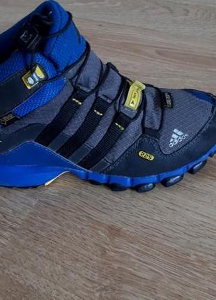 Высокие кроссовки ботинки adidas terrex mid gore tex р.30 оригинал