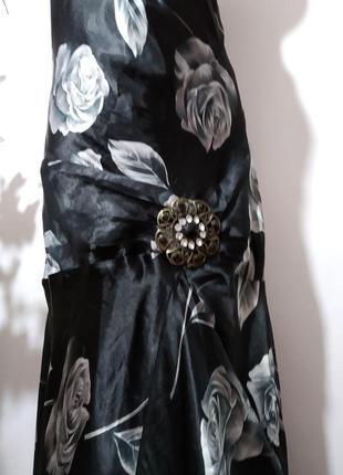 Нарядное платье с открытой спинкой в принт3 фото