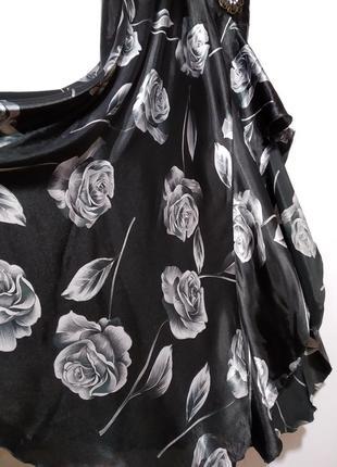Нарядное платье с открытой спинкой в принт6 фото