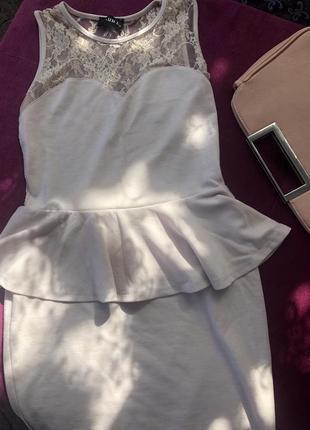 Платье с баской от club l