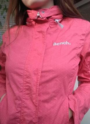 Срочно ! возможен торг новая куртка , ветровка bench (бенч) оригинал !