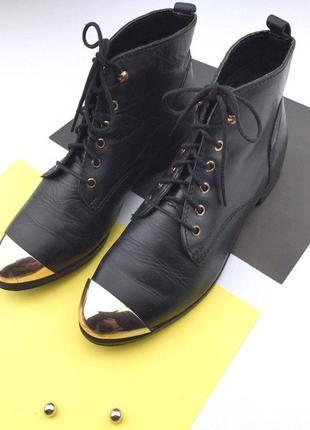 Кожаные ботинки на шнуровке с металлическим носком2 фото