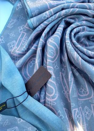 Брендовый теплый шарфик в цветах
