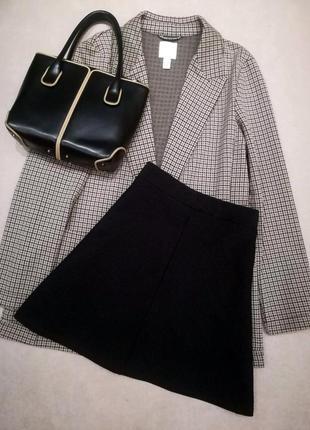 Фактурная текстурная черная мини юбка трапеция а силуэта в рубчик на высокой талии посадке