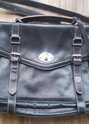Очень красивая, качественная кожаная сумка clarks