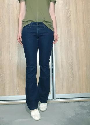 Крутые темно-синие джинсы клеш прямые levis low rise