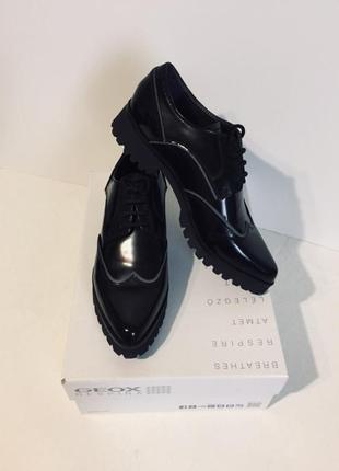 Туфли- броги из натуральной кожи geox respira, 38,5,39р-ры