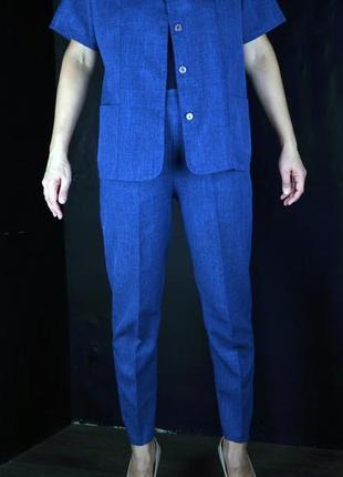 Брючный летний костюм джинсового цвета