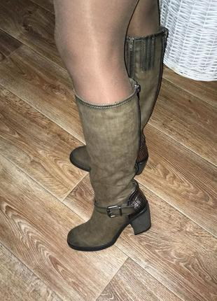 Высокие сапоги на толстом каблуке цвета хаки демисезонные осенние сапожки на полную ногу