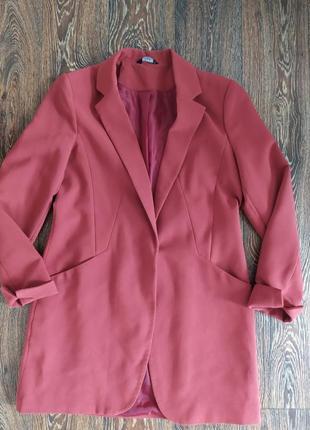 Двубортный удлиненный пиджак