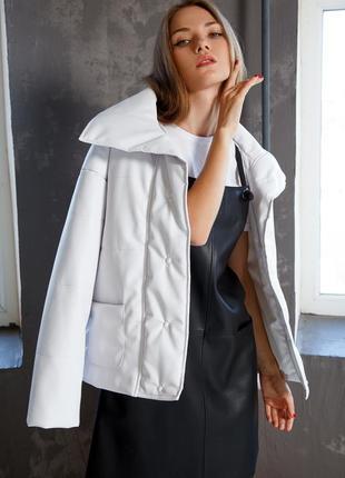 Красивая куртка из экокожи