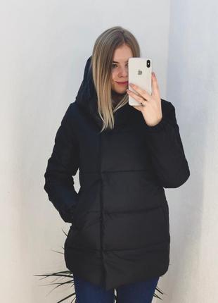 Чорна жіноча куртка на закльопках, чёрная курточка с капюшоном