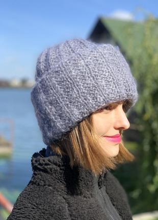 Мохеровая шапка светло-голубого цвета