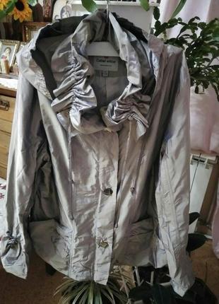 Продам женскую куртку ветровку размер 50