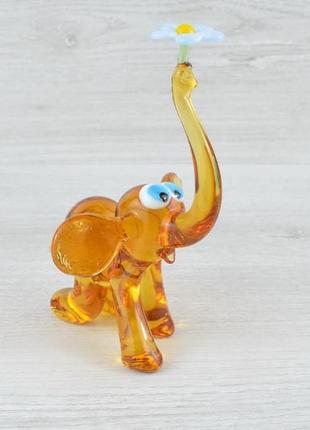 Скляна статуетка слоник