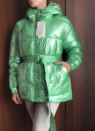 Трендовая куртка глянцевая куртка неоновая куртка зелёная куртка дутая куртка