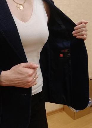 Вельветовый пиджак прямого кроя