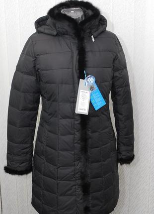Женский пуховик-пальто обрамленное норкой.