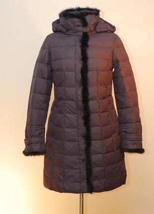 Женский пуховик-пальто обрамленный норочкой