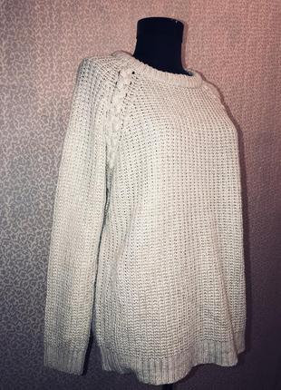 Актуальный свитер оверсайз
