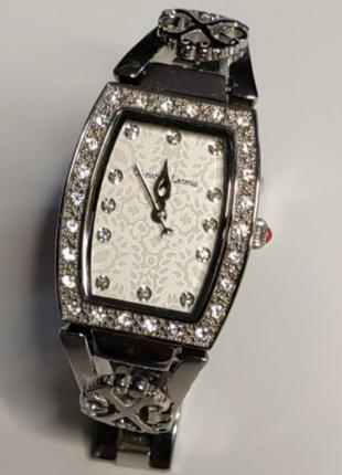 Часы женские christian lacroix 8000402