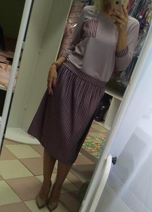 Обалденный, яркий юбочный костюм s-m