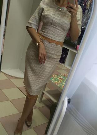 Стильный, безумно красивый твидовый юбочный костюм