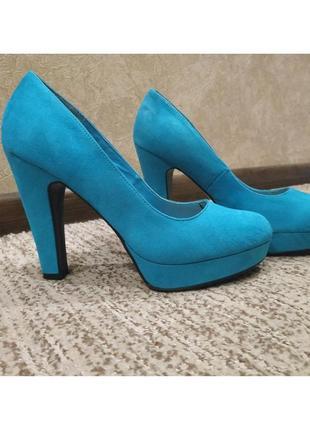 Голубые туфли на высоком каблуке new look