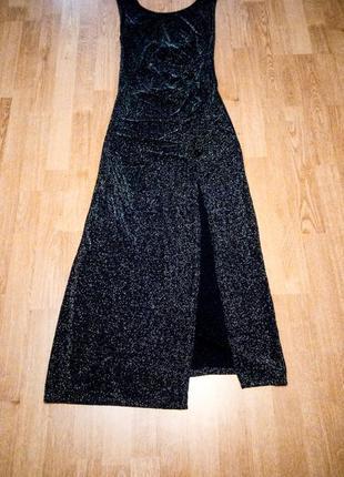 Вечернее платье тёмно синее с блёстками длинное с вырезом на спине и ноге amaya