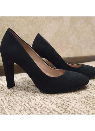 Черные туфли на высоком каблуке next