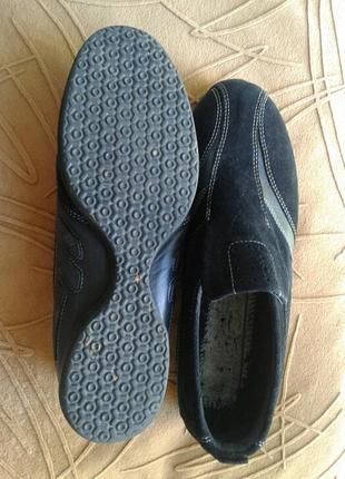 Чёрные спортивные туфли со вставками из замши,38.
