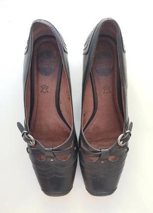 Женские туфли chester