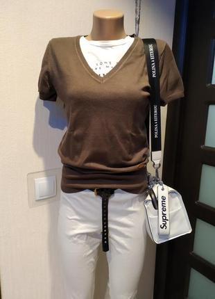 Отличная стильная кофточка пуловер джемпер с короткими рукавами коричневый