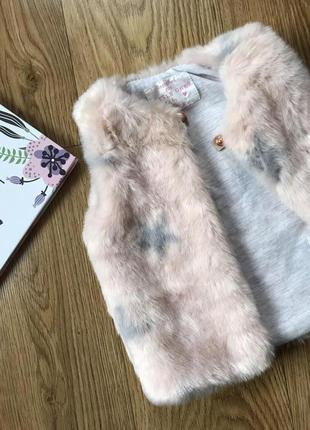 Скидка -50%!!! шикарная меховая жилетка на хлопковой подкладке для модницы 6-9 мес