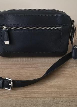 Стильная сумка кросс боди clarks