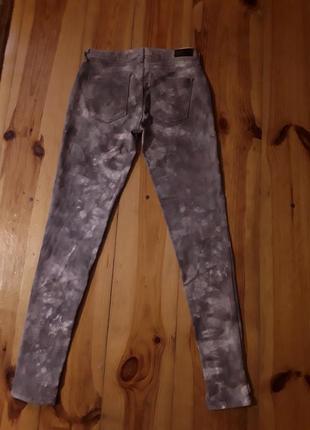 Брендові фірмові жіночі джинси levi's ,оригінал, розмір 25.