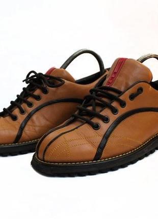 Кожаные туфли prada. размер 40