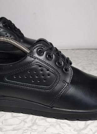 Кожаные ботинки,кроссовки sika, 39р,стелька25см, отличное состояние
