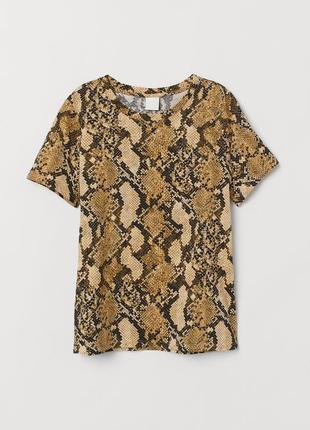 🌿 хлопковая футболка со змеиным принтом от h&m