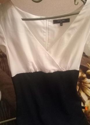 Платье черно белое класика