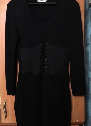 Платье чёрное со шнуровкой с эффектом корсета прямое обтягивающее