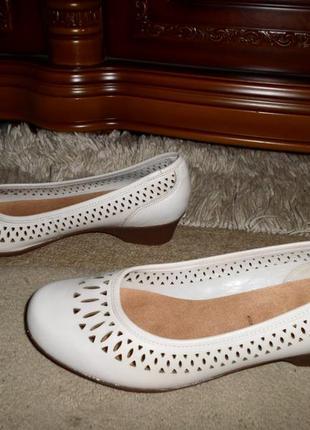 Качество clarks. красивеные мягенькие бренд.туфли,кожа,англия