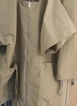 Плащевой костюм из модной ткани