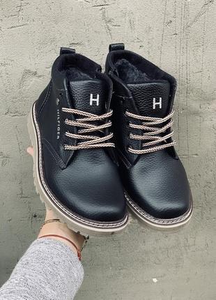 Подростковые зимние кожаные ботинки.