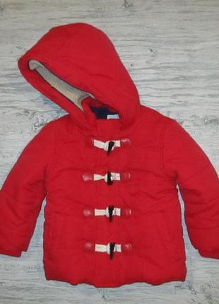 Красная демисезонная курточка фирмы джон левис на 9-12 мес.