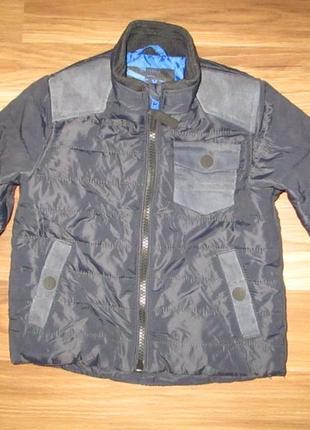 Клевенькая легкая синяя демикурточка или ветровка фирмы некст на 12-18 мес.