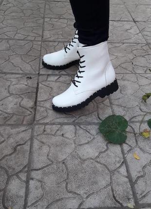 Скидка!кожа ботинки берцы демисезонные и зимние подошва с металлическим вставками танкетка